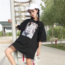 实拍1831#韩版字母胶印图案铁环织带网纱拼接落肩袖中长款T恤学生