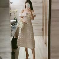 泰国潮牌一字领名媛植绒连衣裙
