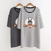 韩版学院风条纹兔子t恤