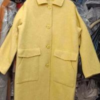 x826四粒扣包领斜插口直筒袖澳毛大衣