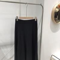 黑色针织伞裙