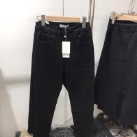 黑色牛仔直筒裤