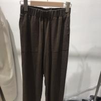 咖色麻质长裤
