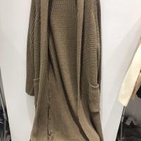 针织长款毛衣开衫