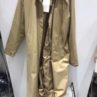 姜黄色大衣