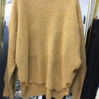 羊绒大扣子毛衣
