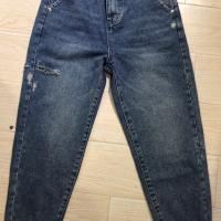 蓝色牛仔跨裤