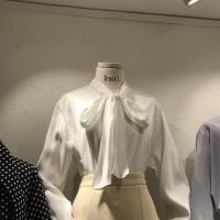 蝴蝶结亮晶晶衬衣