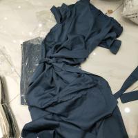 蓝色腰带长裙