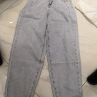 浅蓝牛仔裤