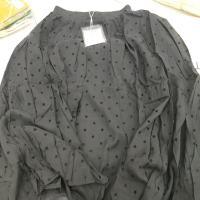 波点黑色半裙