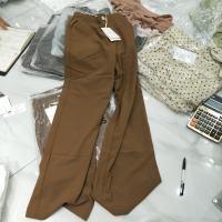 咖色阔腿裤