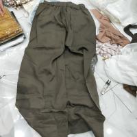 绿色阔腿裤
