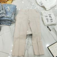 杏色西装裤