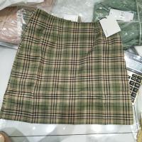 绿格子半裙