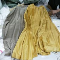 两色百褶半身裙