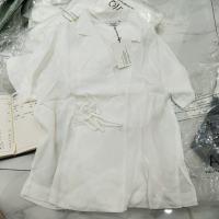 白色系带上衣
