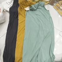 三色无袖连衣裙