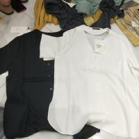 两色V领衬衣