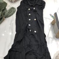 无袖连衣裙