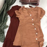 两色连衣裙