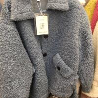 梦妮毛毛外套