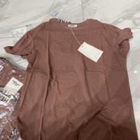 树莓色短袖