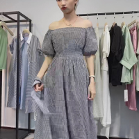格子连衣裙