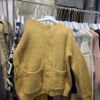 黄色毛衣开衫