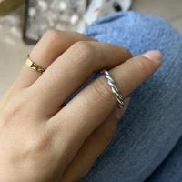 细圈扭巴戒指