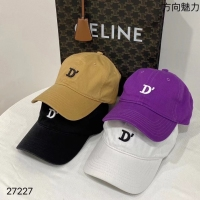 D字母棒球帽